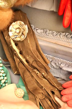 Gloves 007
