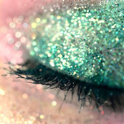 Turquoise eye