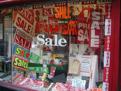 Sale_in_sale_shop